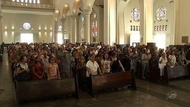 Fiéis homenageiam o padroeiro São José em Fortaleza - Outras informações no G1.com.br/ce