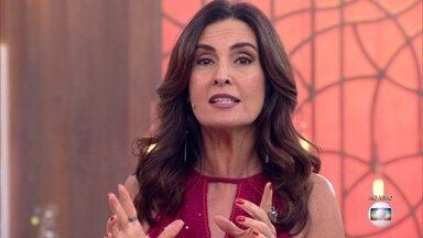 Fátima Bernardes anuncia o 'G1 em 1 Minuto' em russo - Inspirada pela Copa do Mundo da Rússia, apresentadora diz que aprendeu duas frases em russo e surpreende Mari Palma