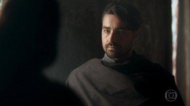 Virgílio aceita a proposta de Catarina - Ele será informante da princesa e contará tudo o que o povo pensa dela