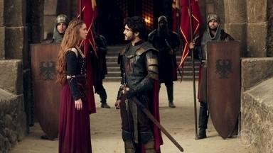 Amália procura Cássio - Ela pede que o oficial não leve mais os problemas da corte para Afonso