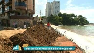 Mar avança e causa erosão em praia de Guarapari, ES - Em apenas três dias, o mar avançou mais de um metro.