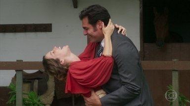 Capítulo de 28/03/2018 - Darcy pede Elisabeta em namoro. Uirapuru insinua a Elisabeta que Darcy não é confiável. Jorge se decepciona quando Ema traz Amélia para ser seu par. Brandão decide revelar a Mariana suas aventuras com a motocicleta. Julieta visita o túmulo do seu marido