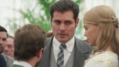 Darcy convence Camilo a conversar antes de pedir a mão de Jane - O rapaz se retira com o amigo inglês e Susana