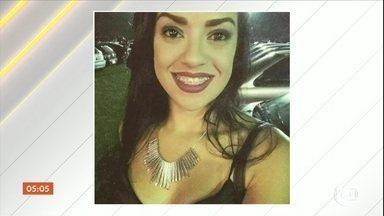 Enterrado em SP corpo de jovem atingida por lancha em Angra dos Reis (RJ) - Valquíria de Almeida Barreto tinha 29 anos. Um colega dela também morreu. O acidente, que deixou mais duas pessoas feridas, foi na Sexta-Feira Santa.