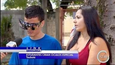 Estudantes do ensino médio em Taubaté desenvolveram um óculos que ajuda deficientes - Óculos foram feitos para deficientes visuais.