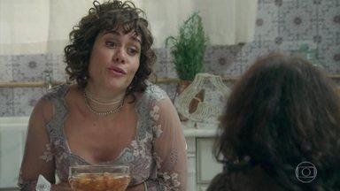 Susana planeja convidar Ofélia para o jantar de Camilo e Jane - Ela diz a Petúlia que Julieta vai ter a oportunidade de conhecer toda a falta de modos da família Benedito