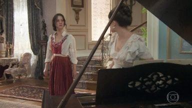 Elisabeta confronta Ema - A filha de Ofélia questiona a melhor amiga por ter deixado Jane e sua família serem humilhadas no sarau