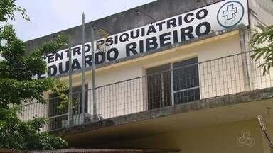 Bandidos armados invadem Centro Psiquiátrico Eduardo Ribeiro, em Manaus - Criminosos arrombaram caixa eletrônico e levaram equipamentos com imagens de câmeras de segurança.