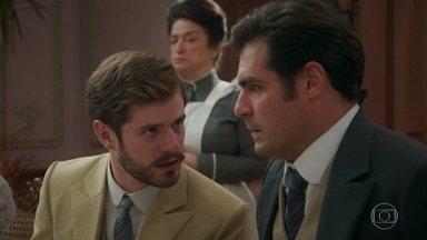 Camilo implora que Darcy permaneça no jantar para apoiá-lo - Darcy se irrita com a presença de Uirapuru e ameaça deixar a mesa. Mariana não entende por que o poeta aceitou o convite de Lídia para participar do evento