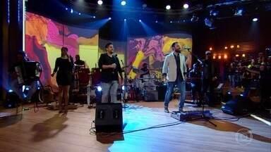 """Jorge e Mateus abrem programa cantando """"Propaganda"""" - Dupla tem uma trajetória de sucesso"""