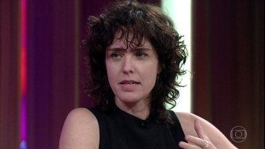 """Carolina Jabor fala sobre o filme """"Aos Teus Olhos"""" e sobre perigo do linchamento virtual - Cineasta se baseou numa peça espanhola e comenta cenas do filme"""