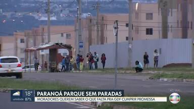Faltam paradas de ônibus no Paranoá Parque - Reivindicação dos moradores é antiga. Diretor técnico do DFTrans promete construir nove abrigos de ônibus na região em até 2 meses.