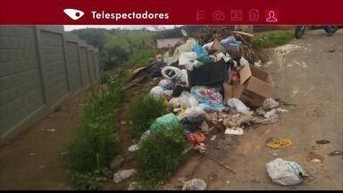 Moradores de Barra de São Francisco, ES, reclamam de lixo acumulado nas ruas - Segundo eles, nenhum caminhão de lixo passa há cinco dias em algumas regiões.