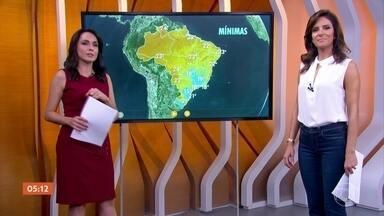 Dia de sol e pouca umidade em SP, Vale do Paraíba, MS, PR e SC - Nos outros estados a circulação da umidade está diferente e tem previsão de chuva. As mais volumosas estão previstas entre o Norte e o Nordeste, de novo.