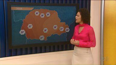 Tempo deve mudar com chegada de frente fria - Frente fria deve trazer chuva para várias áreas no Paraná no fim de semana