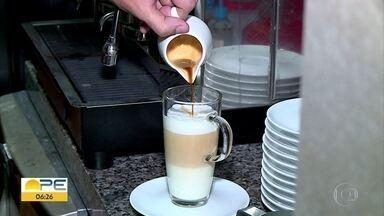 Cafeterias ganham cada vez mais espaço na rotina dos recifenses - Dia do café será celebrado neste sábado (14)