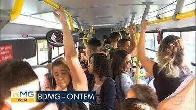 Empresa que administra a linha 2290 se defende das reclamações dos passageiros - BDMG desta quinta-feira pegou o coletivo no ponto final, em Ribeirão das Neves, e fez a viagem até Belo Horizonte.