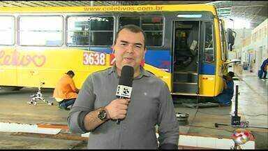 Quadro Viajando no Busão mostra os cuidados com os ônibus - Eliaquim mostra como os ônibus são preparados para o transporte público.