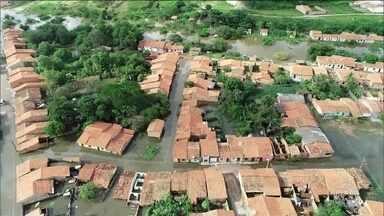 Com chuvas, rio sobe e 320 famílias ficam desabrigadas no Maranhão - Defesa Civil e Exército montaram tendas e improvisaram barracas. Na capital São Luís, as principais avenidas ficaram alagadas.