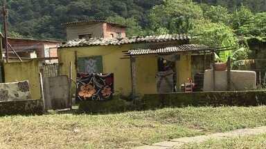 Chuva do fim de semana castiga comunidade Pilões, em Cubatão - Água invadiu casas, destruiu móveis e deixou várias famílias desabrigadas.