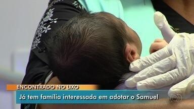 Família se candidata para adotar bebê encontrado no lixo em Goiânia - Samuel Henrique ainda está internado.