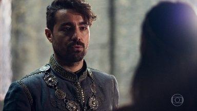 Virgílio conta a Catarina que Rodolfo irá capturar Afonso - O Marquês conta que o Rei de Lastrilha entregou o paradeiro de Afonso. Virgílio garante que o acordo que fez com a Rainha está de pé