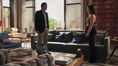 Clara conversa com Patrick sobre os crimes de Sophia - Advogado explica que é muito perigoso fazer acusações sem provas