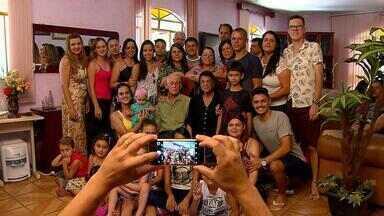 Globo leva o mineiro para tela da TV - Em meio século, equipes da Globo acompanham o cotidiano dos mineiros e colocam luz nos problemas das cidades.