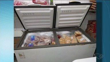 Suspeitos invadem escolas e roubam mais de 200 kg de comida em Linhares - Alimentos seriam usados na merenda dos alunos.