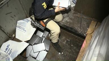 Polícia Rodoviária Federal apreende 238 quilos de cocaína - A droga estava escondida num fundo falso de uma carreta, em Santa Terezinha de Itaipu.