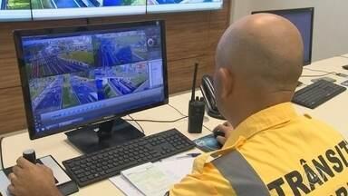 Mais de 600 motoristas são multados após retomada de fiscalização por videomonitoramento - Mais de 600 motoristas foram multados neste primeiro mês após a retomada da fiscalização por videomonitoramento no trânsito de Sorocaba (SP).