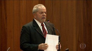 PGR denuncia Lula e mais três ex-ministros de governo do PT - Eles são acusados de ter recebido propina da Odebrecht em troca de um financiamento que indiretamente beneficiou a empreiteira.