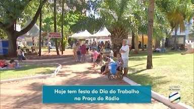 Festa do Trabalhador movimenta área central de Campo Grande - Haverá apresentações musicais e show de prêmios. Ruas foram interditadas.