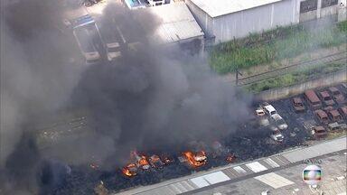 Um novo incêndio em Sâo Paulo - Foi num estacionamento de carros no bairro do Ipiranga, na zona sul de São Paulo.