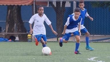 Joia do Cruzeiro, de apenas 10 anos, é cercado de todo o cuidado pelo clube celeste - Joia do Cruzeiro, de apenas 10 anos, é cercado de todo o cuidado pelo clube celeste