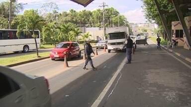 População aproveita feriado para viajar para cidades próximas a Manaus - Veja movimentação nas saídas da cidade.