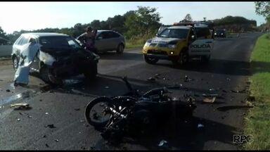 Três veículos se envolvem em acidente grave na região de Francisco Beltrão - Vítimas tiveram ferimentos leves.