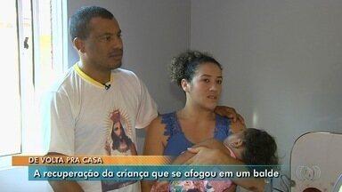 Bebê que se afogou em balde volta para casa após internação, em Goiânia - Pais pedem ajuda para conseguir sonda que ele precisa para se alimentar.