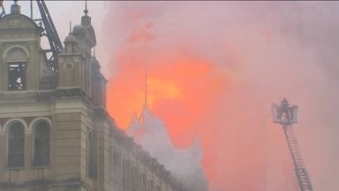 História de São Paulo é marcada pela tragédia dos incêndios - Paulistanos têm na memória o drama dos edifícios Andraus e Joelma; em 2015, o fogo destruiu o Museu da Língua Portuguesa, na Estação da Luz.