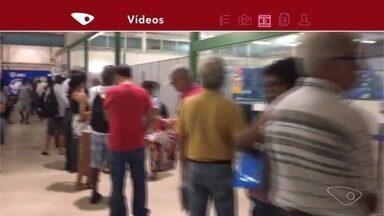 Moradores reclamam de atendimento na farmácia cidadã da Serra, ES - Sesa disse que a fila foi porque se trata do primeiro dia útil do mês.