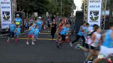 Prova pedestre Adriana de Souza é realizada nesta terça-feira (1) em Ibiporã - Cerca de mil atletas participaram da competição que começou com os corredores mirins.