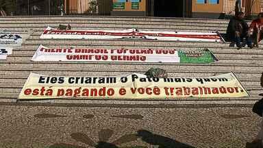 Feriado foi marcado por protestos em Ponta Grossa e Curitiba - Reformas e prisão do ex-presidente Lula são temas dos protestos.