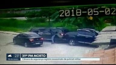 Câmera de segurança flagra assassinato de policial militar - Crime aconteceu em Duque de Caxias. Já são 39 PMs mortos no Rio só este ano