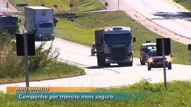 Polícias realizam operação para conscientizar sobre segurança no trânsito em Goiás - Campanha Maio Amarelo promove ações para evitar ainda mais acidentes nas estradas do estado.