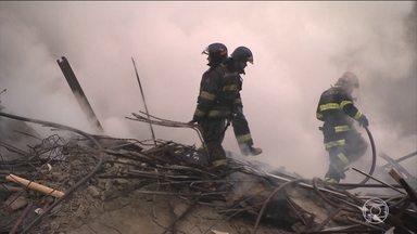 Laudo da prefeitura de SP mostra que o prédio não tinha condições mínimas contra incêndio - Polícia Civil abre inquérito para apurar incêndio e desabamento