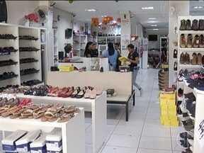 Comerciantes se preparam para as vendas do dia das Mães - Data é a segunda melhor para o comércio.