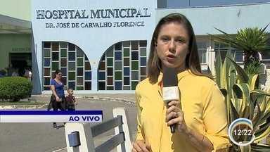 Saiba o estado de saúde dos baleados em São José - A repórter Vanessa Vantine está no hospital da Vila Industrial.