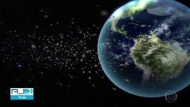 Chuva de meteoros no fim de semana - Poeira do cometa Halley que passou na atmosfera terrestre em 1986, provoca chuva de estrelas cadentes na madrugada de Sábado (05) para Domingo(06) .