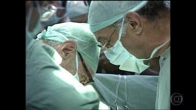 Primeiro transplante de coração feito no Brasil completa 50 anos - Globo Repórter faz uma visita ao Incor, hospital que tanto tempo depois ainda é movido por impressionantes histórias de renascimento.