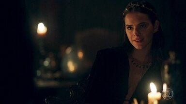 Catarina planeja matar Constantino envenenado - A Rainha pensa em Afonso